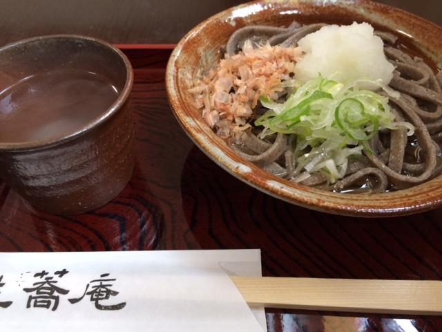 石臼挽き自家製粉「生蕎庵」のおろし蕎麦