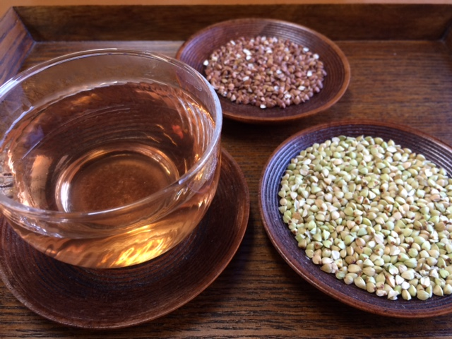 炒った福井県産蕎麦の実(抜き実)の蕎麦茶